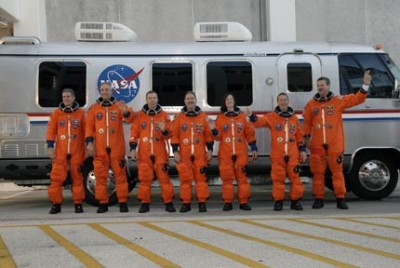 STS-125 Am Astrovan